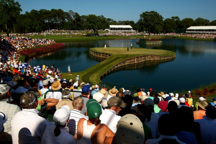 tpc-sawgrass-17th-hole-side-view