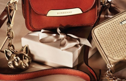 FESTIVE GIFTS FOR WOMEN