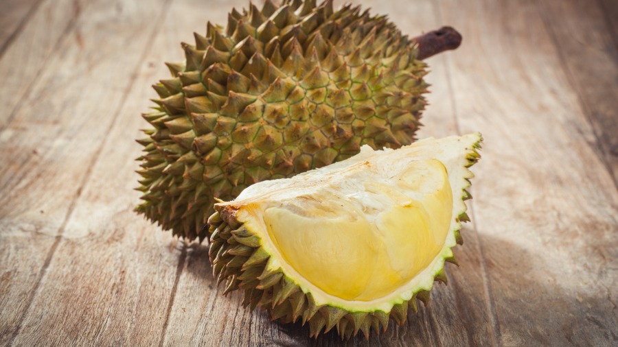 as-a-library-was-evacuated-due-to-the-stench-of-a-durian-fruit--what-exactly-is-it-136426765514902601-180430105009