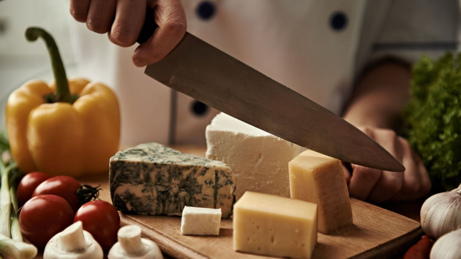 love-cheese-this-is-how-to-cut-it-properly-136426126036002601-180329120007