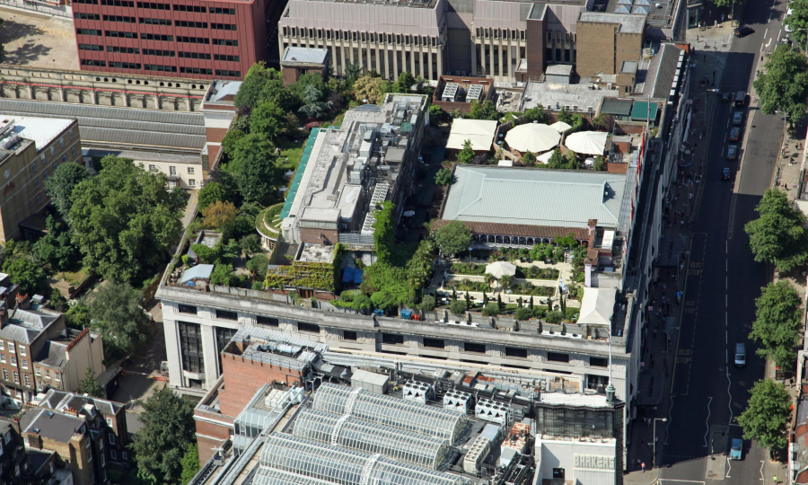 117272120-dar04m-aerial-view-of-a-roof-garden-on-a-building-on-kensington-high-street-london-w8