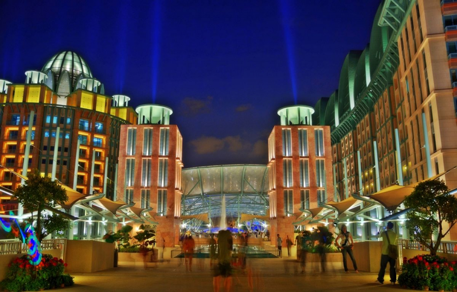 1200px-Resorts_World_Sentosa