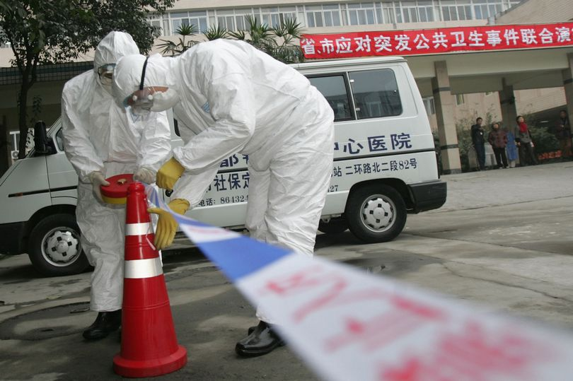 0_Chengdu-Medical-Staffs-Take-Part-In-Anti-SARS-Drill