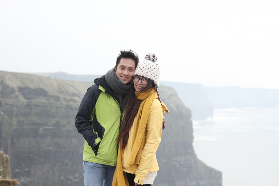 Lạnh cóng ở Cliff of Moher, Galway, Ireland