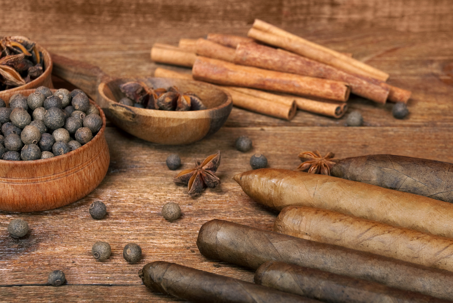 Luxury-variety-of-Cuban-cigars-are-on-the-wooden-table