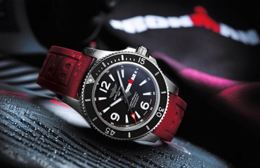Giới thiệu đồng hồ Breitling Superocean Automatic 44 IRONMAN Limited Edition